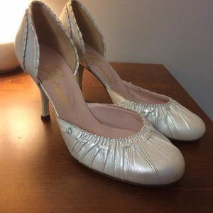 Size 9 1/2 women's gorgeous silver pumps